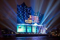 Elbphilharmonie: Lichtspektakel zur Eröffnung
