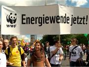 WWF-Aktivisten auf der Großdemo in Berlin am 28.05. © Thomas Macholz / WWF