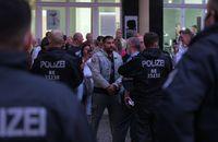 Hildmann während einer Protestveranstaltung vor seinem Berliner Imbiss im August 2020