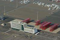 Jade-Weser-Port: Bürogebäude und Freiflächen der Eurogate