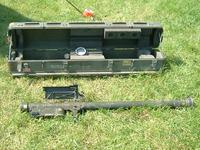Ein Stinger-Startgerät mit Transportbehälter