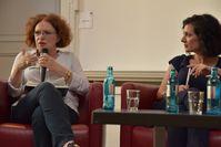 Links Anetta Kahane von der linken Amadeu-Antonio Stiftung), rechts Prof. Dr. Naika Foroutan von der Humboldt-Universtität Berlin (2016)