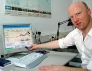 Dr. Mudelsee bei seinen Berechnungen Bild: Universität Leipzig