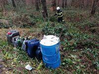 Illegal entsorgte Ölfässer Bild: Polizei