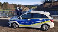 Kemptener Bundespolizisten stoppten den Taxifahrer bei einer mutmaßlichen Schleusung auf der BAB 7 Bild: Polizei