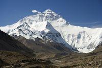 Mount Everest: Die Nordseite vom Weg zum Basislager aus gesehen.