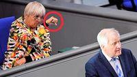 Bundestagspräsidentin Claudia Roth nutzt ihre Position öfters zur ungebetenen Kommentierung der Redner (2020)