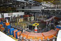 Das Bild zeigt den Low Energy Antiproton Ring (LEAR) im CERN, mit welchem die ersten Antiwasserstoffmatome erzeugt wurden. Bild: Florian Hirzinger