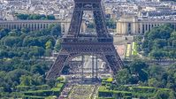 Eiffelturm: alle sind auf Urlaub. Bild: flickr/Yann Caradec