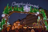 Eingang zum Weihnachtsmarkt (2013)