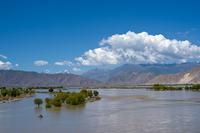 Sedimenttransport im Yarlung Zangbo bei Lhasa