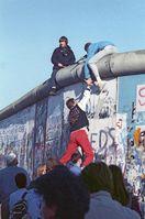 Berliner Mauer am 12. November 1989 (aus Richtung West-Berlin gesehen)