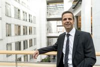 "Bernd Kölmel im Europäischen Parlament in Brüssel. Bild: ""obs/LKR - Die Eurokritiker"""