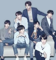 BTS (auch Bangtan Boys; Hangeul: 방탄소년단, revidierte Romanisierung: Bangtan Sonyeondan)