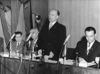Ulbricht während der Pressekonferenz am 15. Juni 1961. Bild: Bundesarchiv, Bild 183-83911-0002 / CC-BY-SA