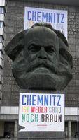 Karl-Marx-Denkmal - Aktionsbündnis Chemnitz ist weder grau noch braun