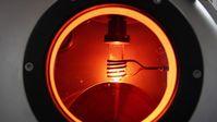 Beim Recyceln von Permanentmagneten setzen die Forscher auf den Melt-Spinning-Prozess. Quelle: © Fraunhofer-Projektgruppe IWKS (idw)