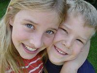 Geschwister: unterschiedlich widerstandsfähig. Bild: pixelio.de, Heike Berse