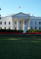 Washington freut sich über Gewinne. Bild: pixelio.de, Oliver Brunner