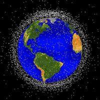 Verteilung des Weltraummülls in niedrigen Erdumlaufbahnen (Partikelgröße stark übertrieben) Bild: NASA