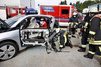 Rettung aus dem Carbon-Elektroauto BMW i3 Bild: ADAC