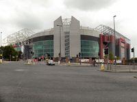 Old Trafford ist das Heimstadion von Manchester United.