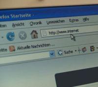 URL-Eingabe: Tippfehler sind riskant. Bild: pixelio.de, tommyS