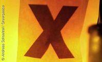 Das große X - seit fast 30 Jahren Symbol des Widerstands gegen die Lagerung von Atommüll am Standort Gorleben. Bild: Andreas Schoelzel / Greenpeace
