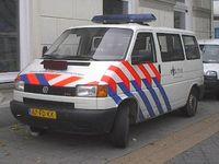 Einsatzbus der niederländischen Polizei in Zwolle