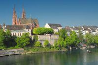 Basler Münster mit Pfalz und Münsterfähre
