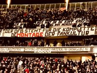 """Fanproteste gegen Montagsspiele beim Bundesliga-Spiel Frankfurt gegen Leipzig. Bild: """"obs/ZDF/Halim Hosny"""""""