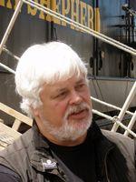 Paul Watson vor der Steve Irwin (2009)