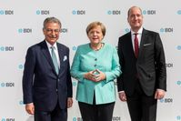 BDi-Präsident Kempf, Bundeskanzlerin Merkel, BDI-Hauptgeschäftsführer Lang beim Tag der Deutschen Industrie 2017
