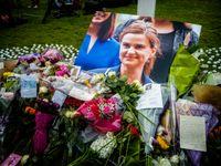 Blumen am Parlamentsplatz für Jo Cox