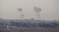 Aufsteigender Rauch in der südisraelischen Stadt Kiryat Malachi nach einem Raketenangriff aus dem Gazasteifen. (Archivbild)