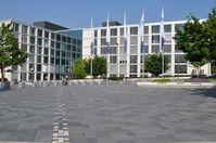 Der Hauptsitz der R+V Versicherung: der Raiffeisenplatz in Wiesbaden