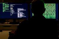 Computerzentrale, Rechenzentrum, Hacken, Hacker & Spionieren (Symbolbild)