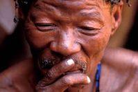 Die Buschleute müssen weiterhin auf das Urteil des Verfahrens warten. Bild: Stephen Corry/Survival