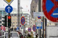 Schilderwald in Hamburg: Wer soll diese Verkehrszeichen auf Anhieb erfassen können?  Bild: ADAC
