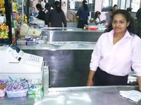 Kassiererin im Supermarkt (Symbolbild)
