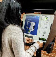 Stimmabgabe am Wahlcomputer mit Sicherheitsrisiko.