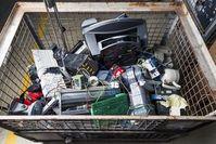 Elektroschrott: Zerlegen in Einzelteile ist wichtig.