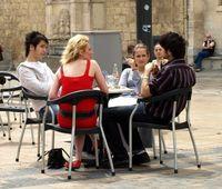 Straßencafe (Symbolbild)