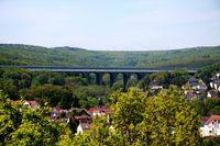 Autobahnbrücke (Symbolbild)