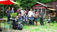 Max Bryan mit seinen Facebook-Freunden auf dem Steinfurther Gartenhof. Bild: Facebook / Max Bryan