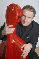 Matthias Deutschmann: Markenzeichen Cello