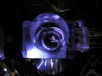 Die Ionenfalle der Ytterbium-Uhr in der PTB. Quelle: Foto: PTB (idw)