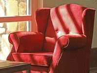 Sessel: Gebrechliche sollten sich viel bewegen. Bild: pixelio.de, Rainer Sturm