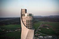 """Tourismusmagnet der Region und Wahrzeichen der Ingenieurskunst: thyssenkrupp Elevator. Bild: """"obs/thyssenkrupp elevator AG/Vietlböck"""""""