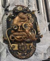 Steampunk-Skulptur mit unbrauchbar gemachter Handgranate Bild: Polizei
